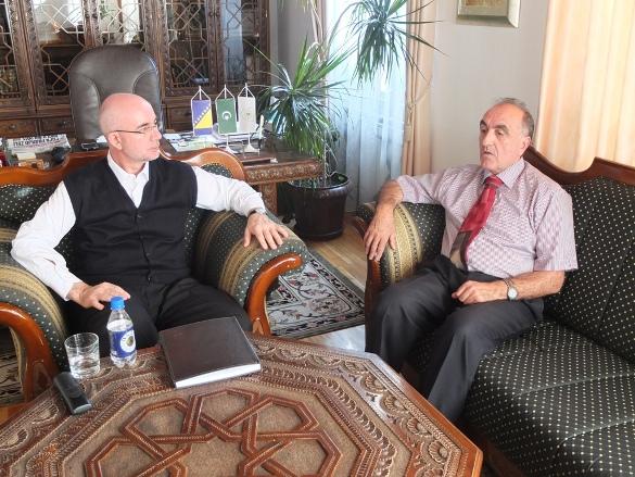 Razgovori o saradnji s Preporodom i Univerzitetom i susret s Azharovcima