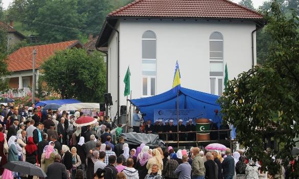 Svečano otvorena džamija u tuzlanskom džematu Osoje