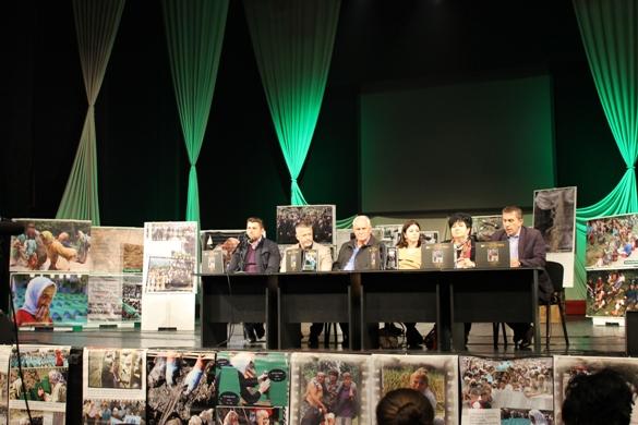 """U Tuzli promovirana fotomonografija """"Srebrenički put pakla 1995-2015"""""""