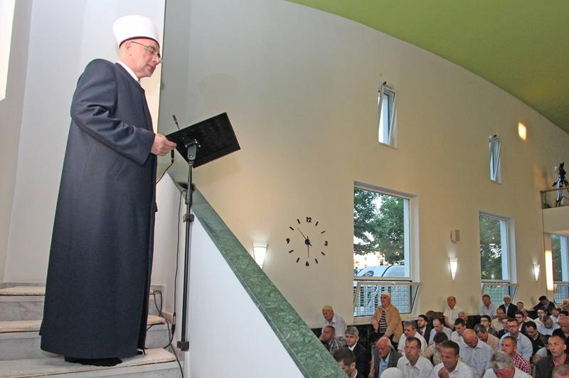 Hutba Muftije tuzlanskog Vahid-ef. Fazlovića  na Ramazanski bajram 1438./2017. godine