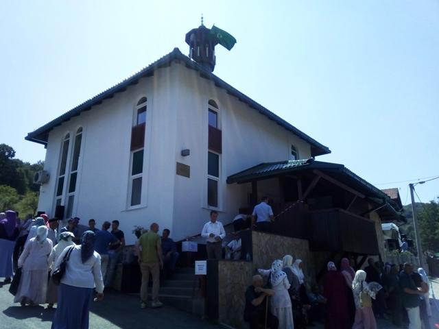 Svečano otvorena Svijetla džamija u tuzlanskom džematu Slavinovići