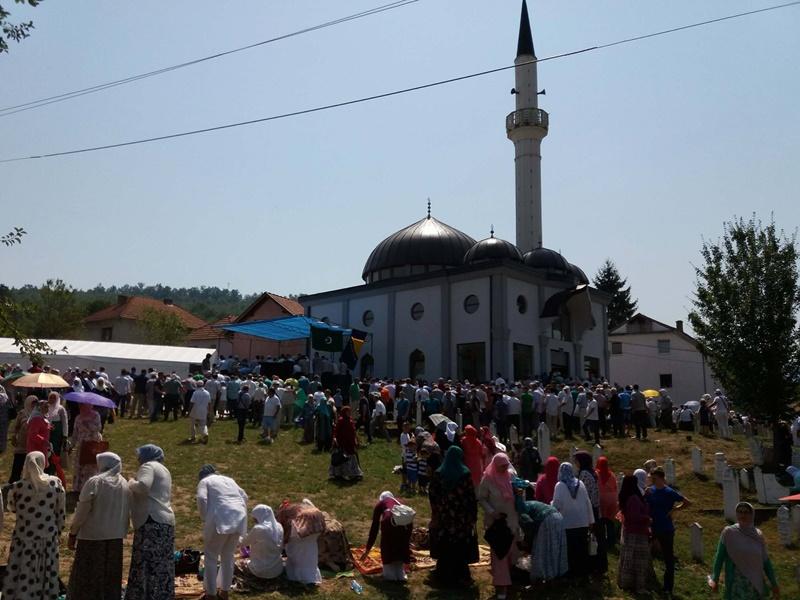 Svečano otvorena džamija u Redžićima kod Zvornika