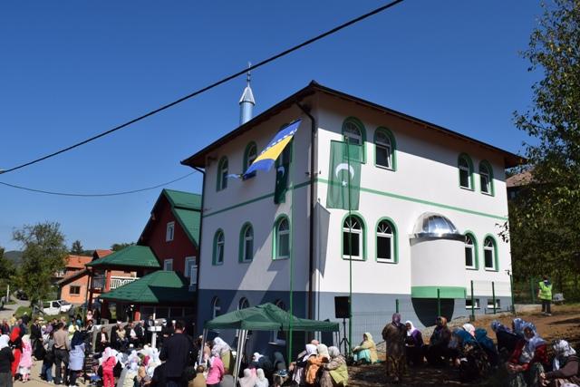 Svečano otvoren mesdžid i omladinski centar u Burnicama kod Bratunca
