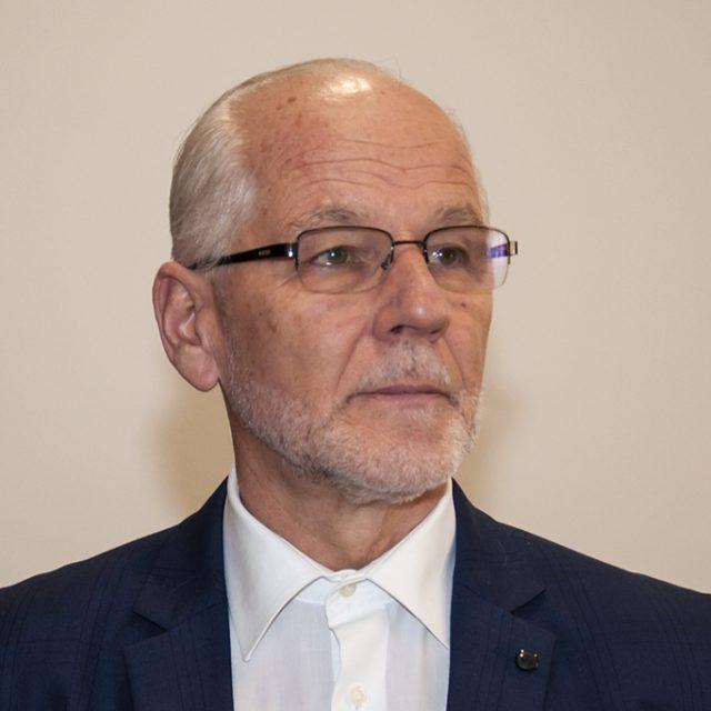 Dr. Sead Seljubac