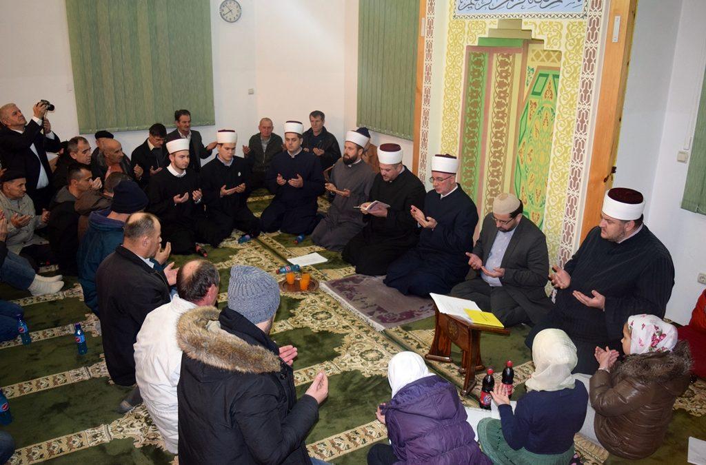 Muftija tuzlanski podijelio radost mevluda sa džematlijama Ugljevika (MIZ Bijeljina)