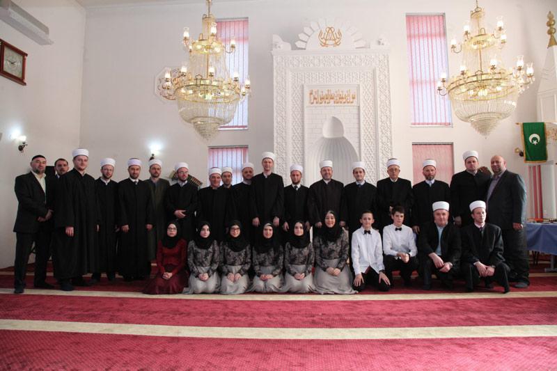 Brčko: Promovirano osam novih učača Kur'ana u džematu Maoča Stara