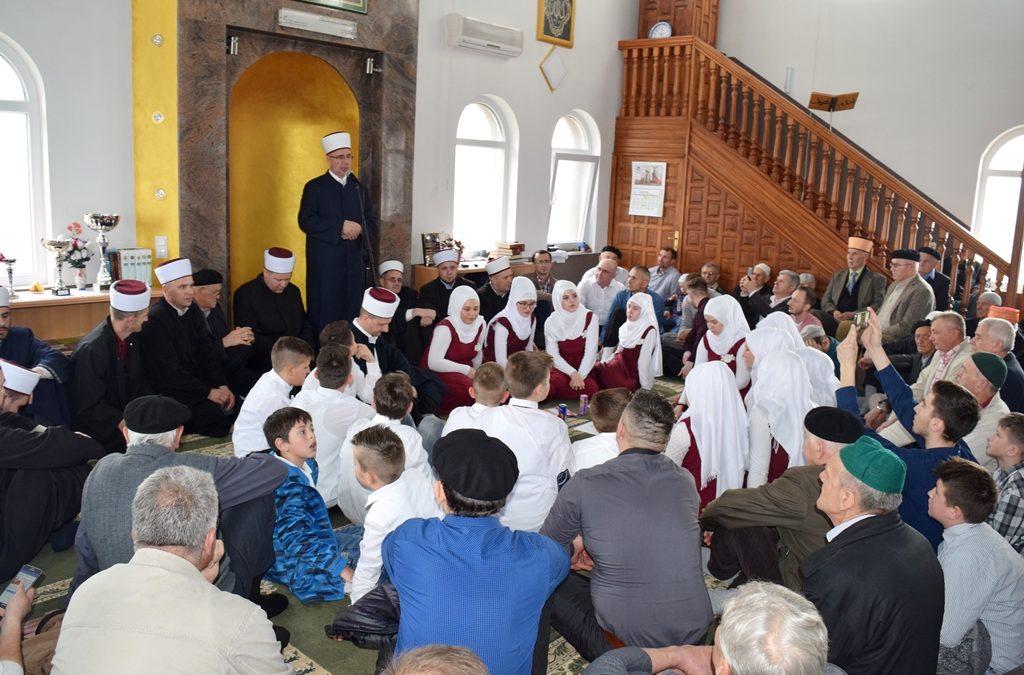Muftija Fazlović na mevludu u Nezuku (MIZ Zvornik)