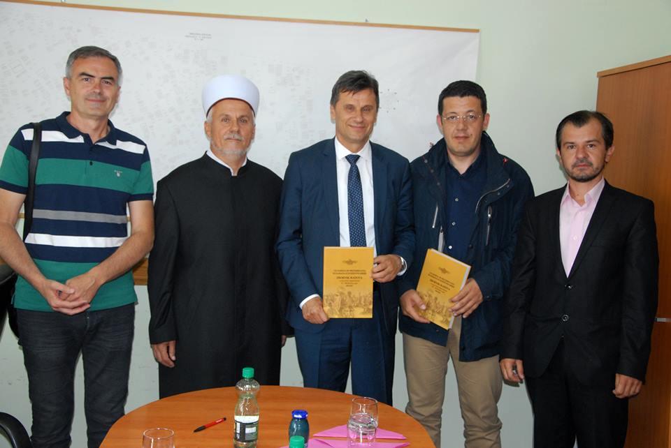 Premijer Novalić posjetio Medžlis IZ-e Orašje