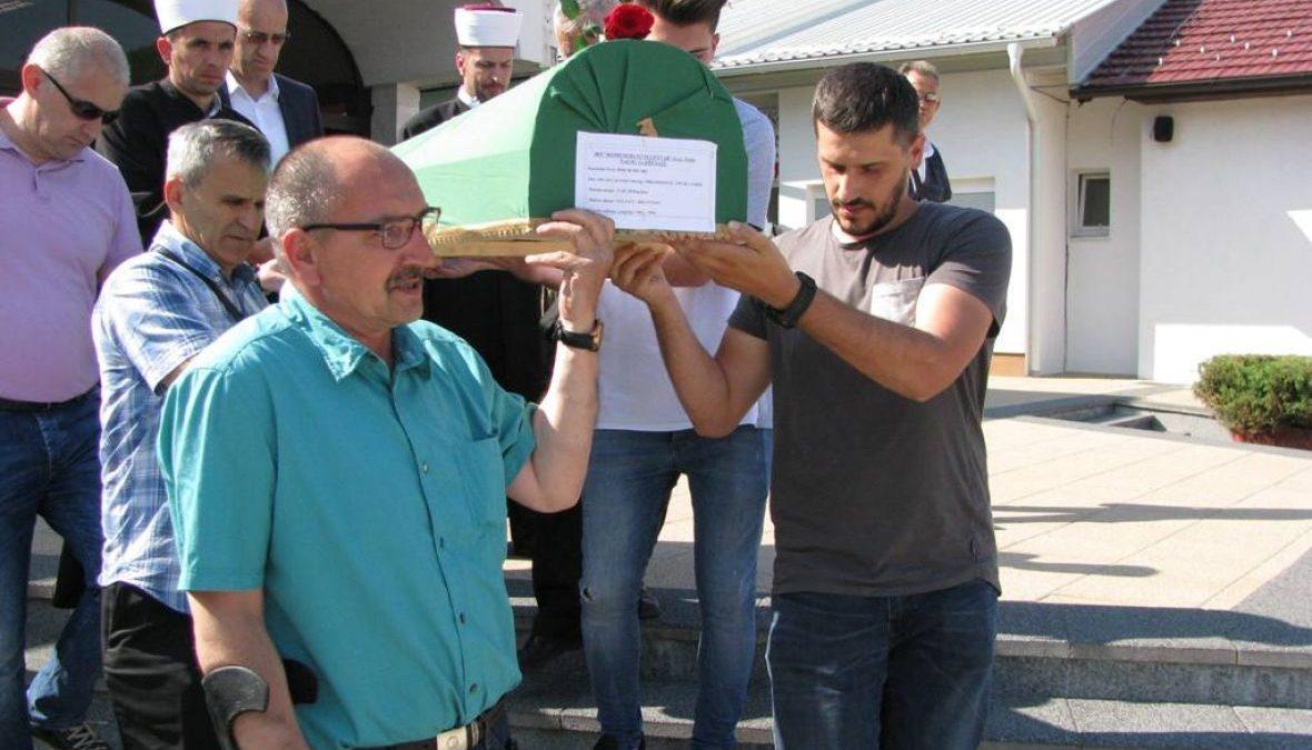 Komemorativni centar Tuzla: Ispraćen jedan tabut za dženazu u Bratuncu