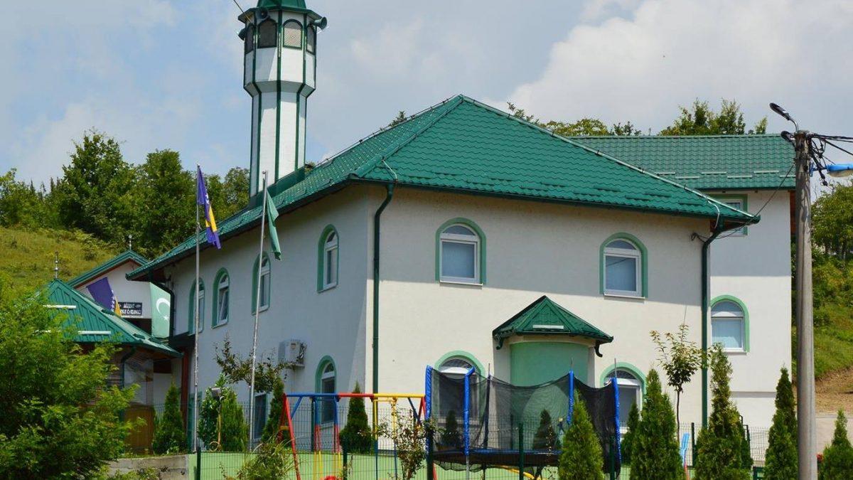 Otvorena džamija u tuzlanskom naselju Gornji Čaklovići