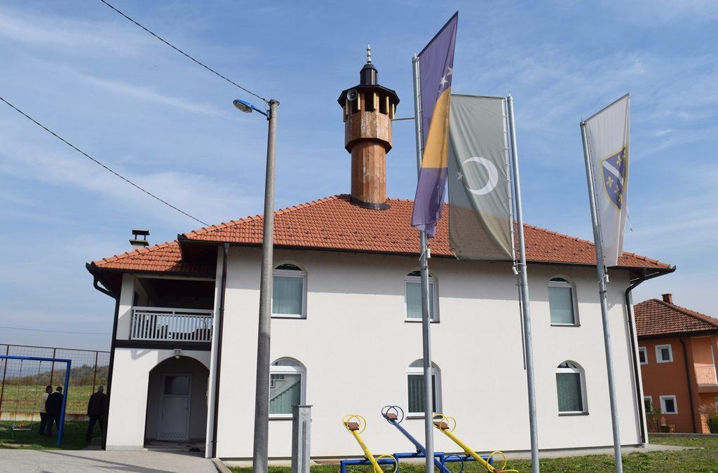 Muftija Fazlović posjetio tekiju i džamije u Tuzli