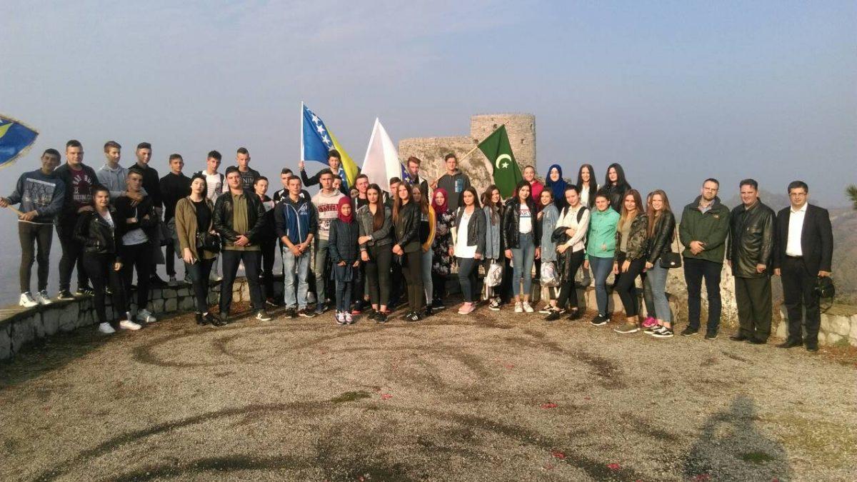 Putovanje tuzlanske omladine u Srebrenik i Gradačac