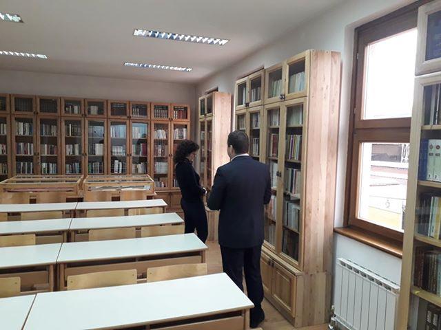 Ministrica Vojinović posjetila biblioteku Behram-beg