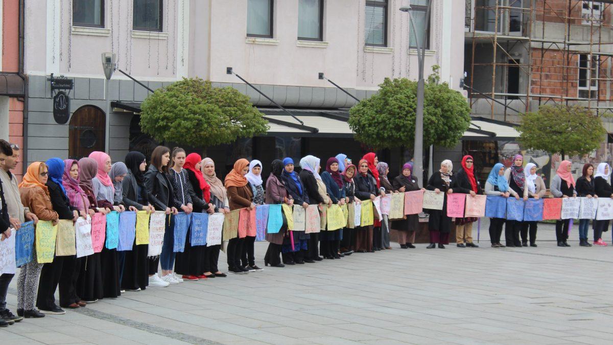 Tuzla: Mirni protesti majki Srebrenice
