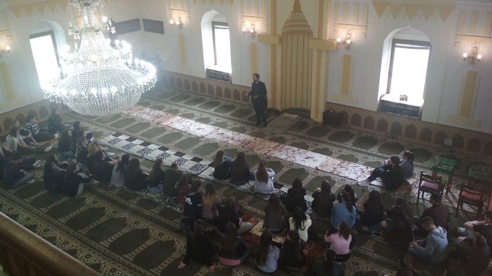 Orašje: Učenici Školskog centra fra Martina Nedića posjetili džamiju Aziziju
