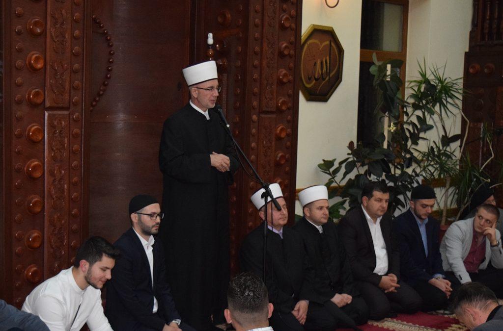 U Srebreniku iftar za mlade iz 10 medžlisa