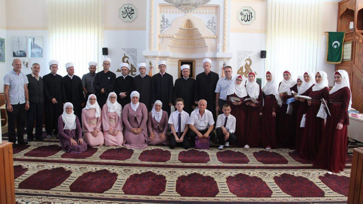 Hatmenska svečanost u džematu Babunovići (MIZ Srebrenik)
