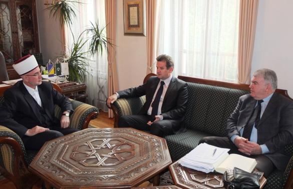 Premijer Umihanić i ministar Nuhanović kod muftije Fazlovića