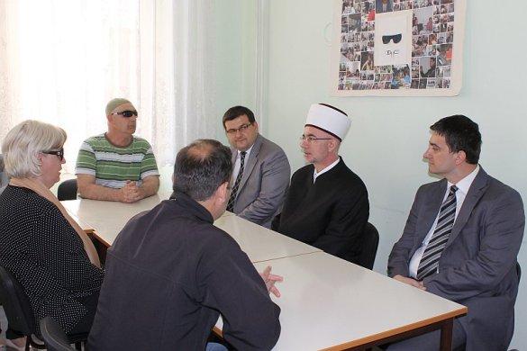 Muftija tuzlanski Vahid-ef. Fazlović posjetio Udruženje građana oštećenog vida Tuzla