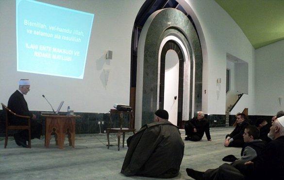 Dr. Seljubac gost na katedri u Tuzli