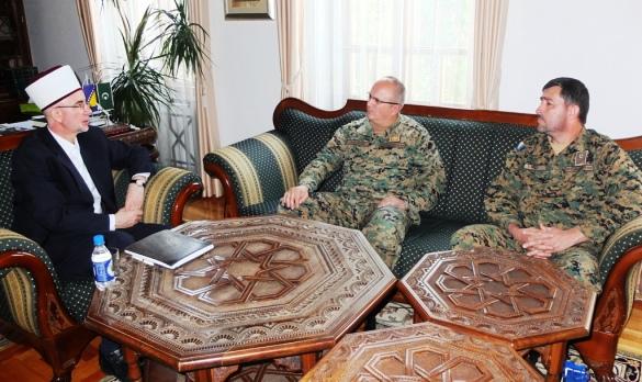 Muftija Fazlović i general Dautović razgovarali o vjerskom životu u OSBiH