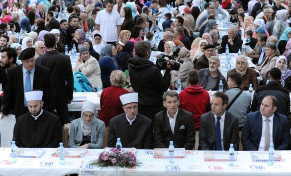 Najveći zajednički iftar u historiji Tuzle