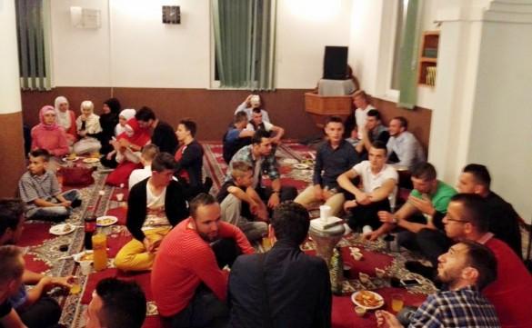 Gradačac: Omladinska sijela i nogometni turniri