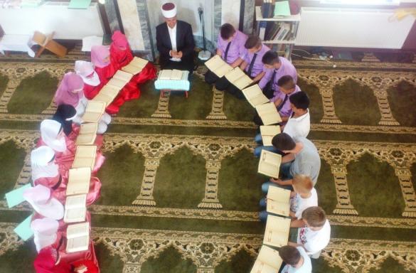U noći objave Kur'ana 32 nova svršenika hatmi u Srebreniku