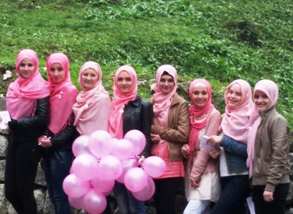 U Gradačcu obilježen Dan roze mahrame