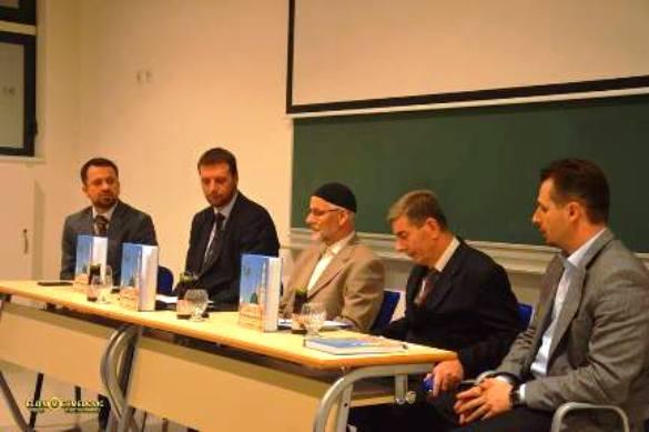 """Tuzlanska promocija knjige """"Muhammed, a.s., Poslanik čovječanstvu"""", autora Mirze Mešića"""
