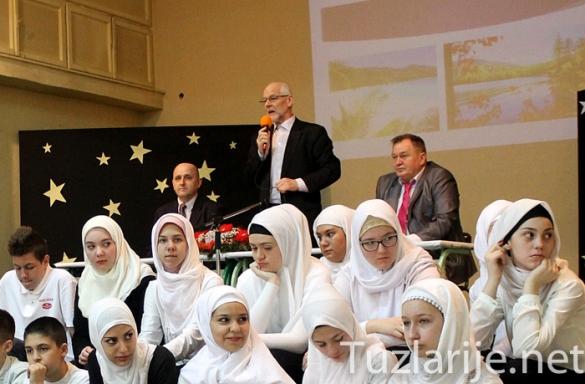 Održano takmičenje iz Islamske vjeronauke: Učenici pokazali zavidno znanje