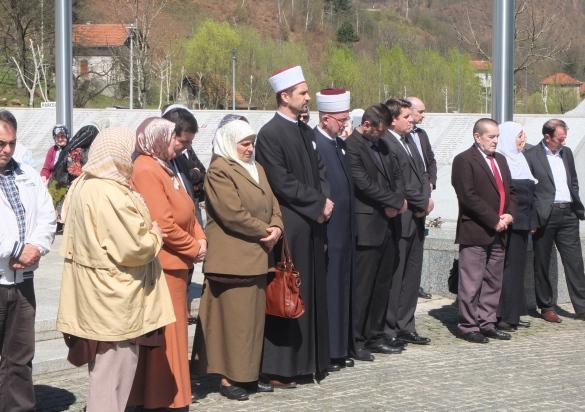 Obilježena trinaesta godišnjica od prve dženaze u Potočarima