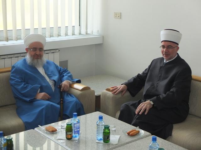 """Predstavnici istanbulskog Vakufa """"Ismail-aga"""" u posjeti Muftijstvu tuzlanskom"""
