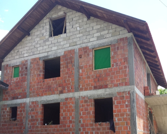 Džemat Ježinac u akciji obnavljanja kuće porodice Mujkić