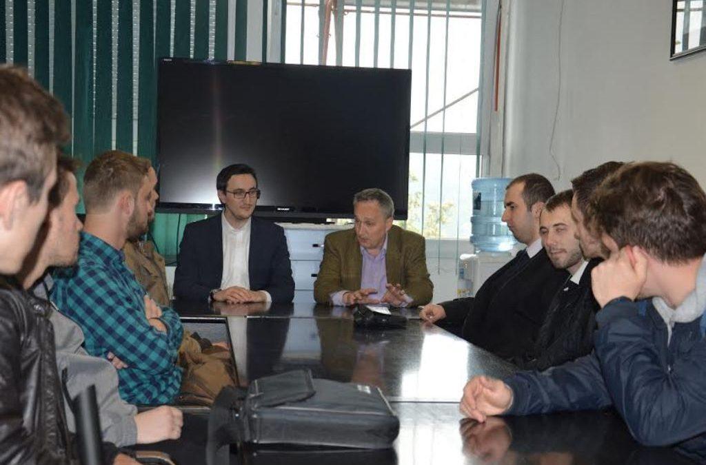 Mladi iz KOC Tušanj-Slatina posjetili pacijente na UKC-u