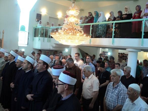 Otvorena džamija u Miladijama