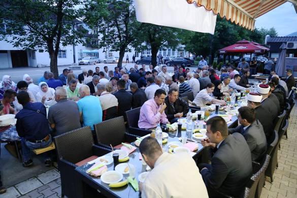Narodni iftar u Bratuncu