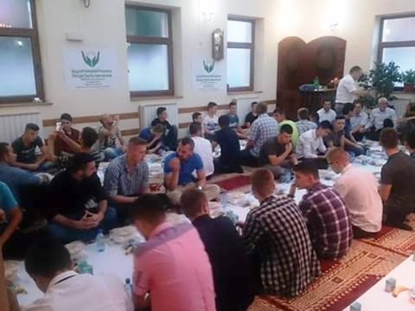 Omladinski iftar i katedra tefsira u Srebreniku