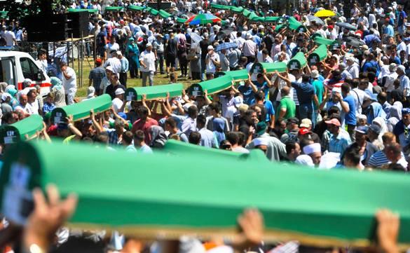 Klanjana dženaza za 127 žrtava srebreničkog genocida