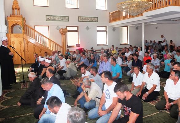 Reisu-l-ulema posjetio povratničke medžlise na području Muftijstva tuzlanskog