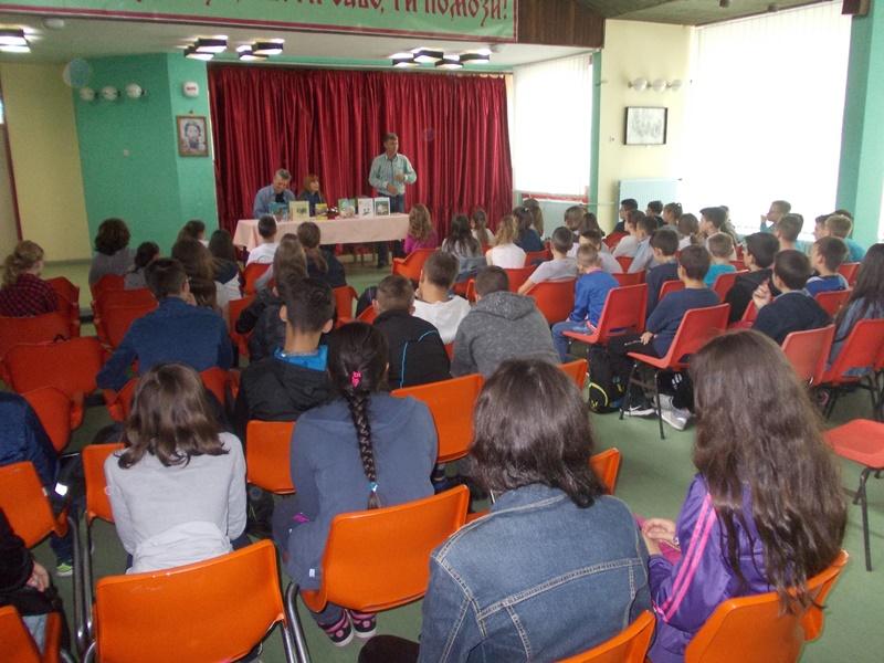 Pjesnici posjetili škole u Podrinju