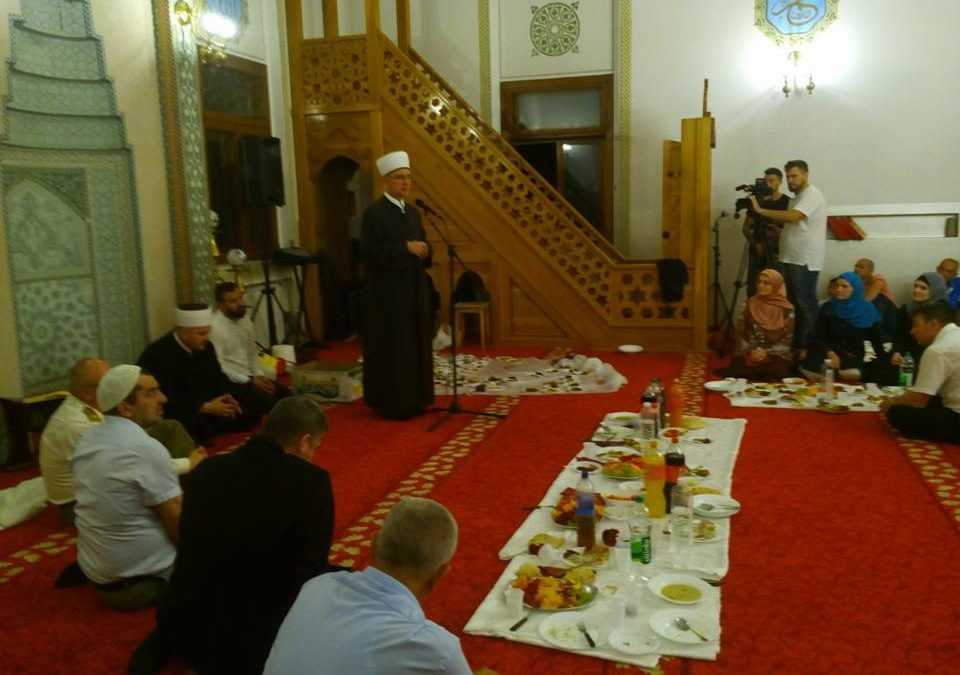 Veliki iftar u Sultan Sulejmanovoj Atik džamiji u Bijeljini