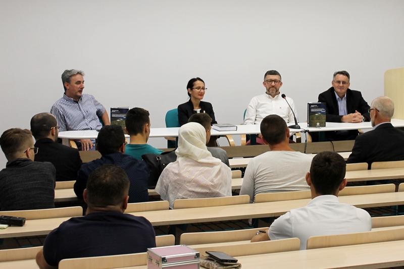 Govor o bosanskom jeziku i iftar za mlade Muftijstva tuzlanskog