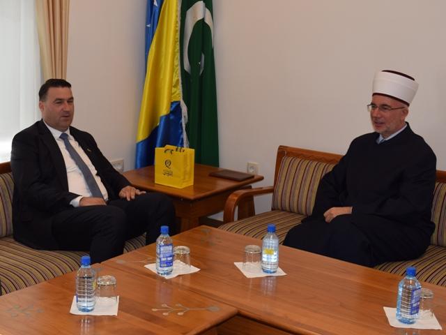 Ambasador Halilović posjetio muftiju tuzlanskog