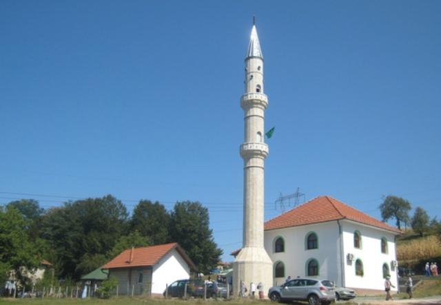 """Otvorena """"Šehidska džamija"""" u Petrovicama kod Tuzle"""