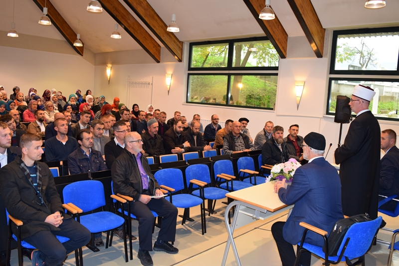 Održan seminar za vjeroučitelje Muftijstva tuzlanskog