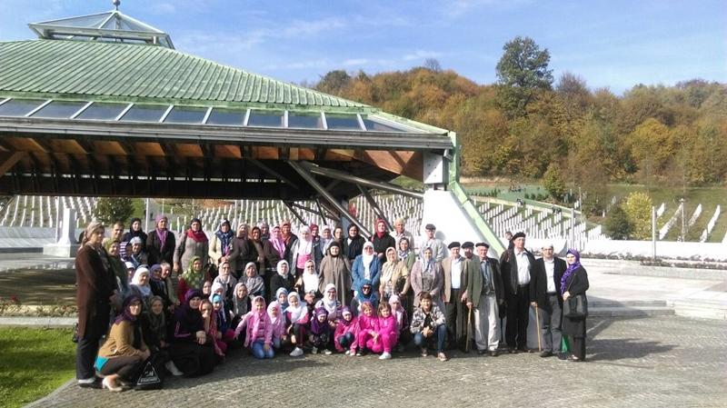 Memorijalni centar u Potočarima posjetili džematlije i mekteblije iz Tuzle i Živinica