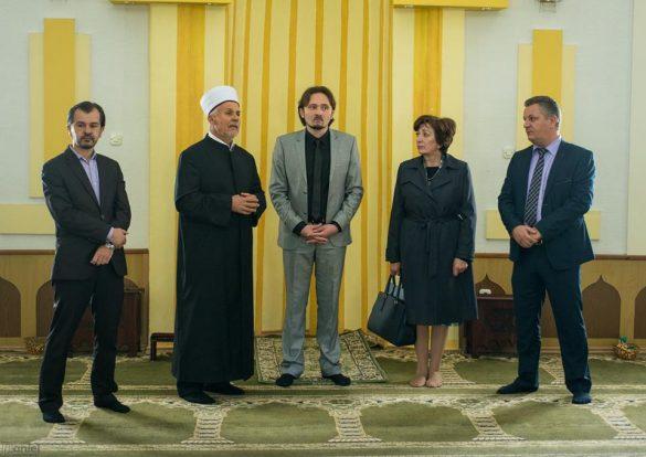 Federalna min.kultute u posjetu džamiji Aziziji u Orašju