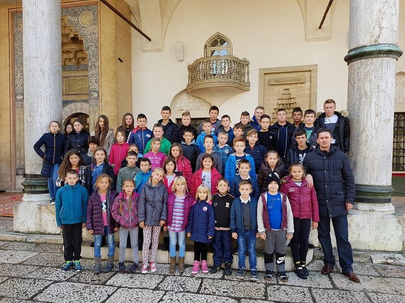 Mekteblije iz Vlasenice na ekskurziji u Sarajevu