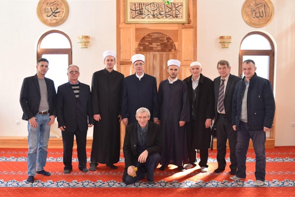 Puni safovi su najveća vrijednost u džamijama Vlasenice